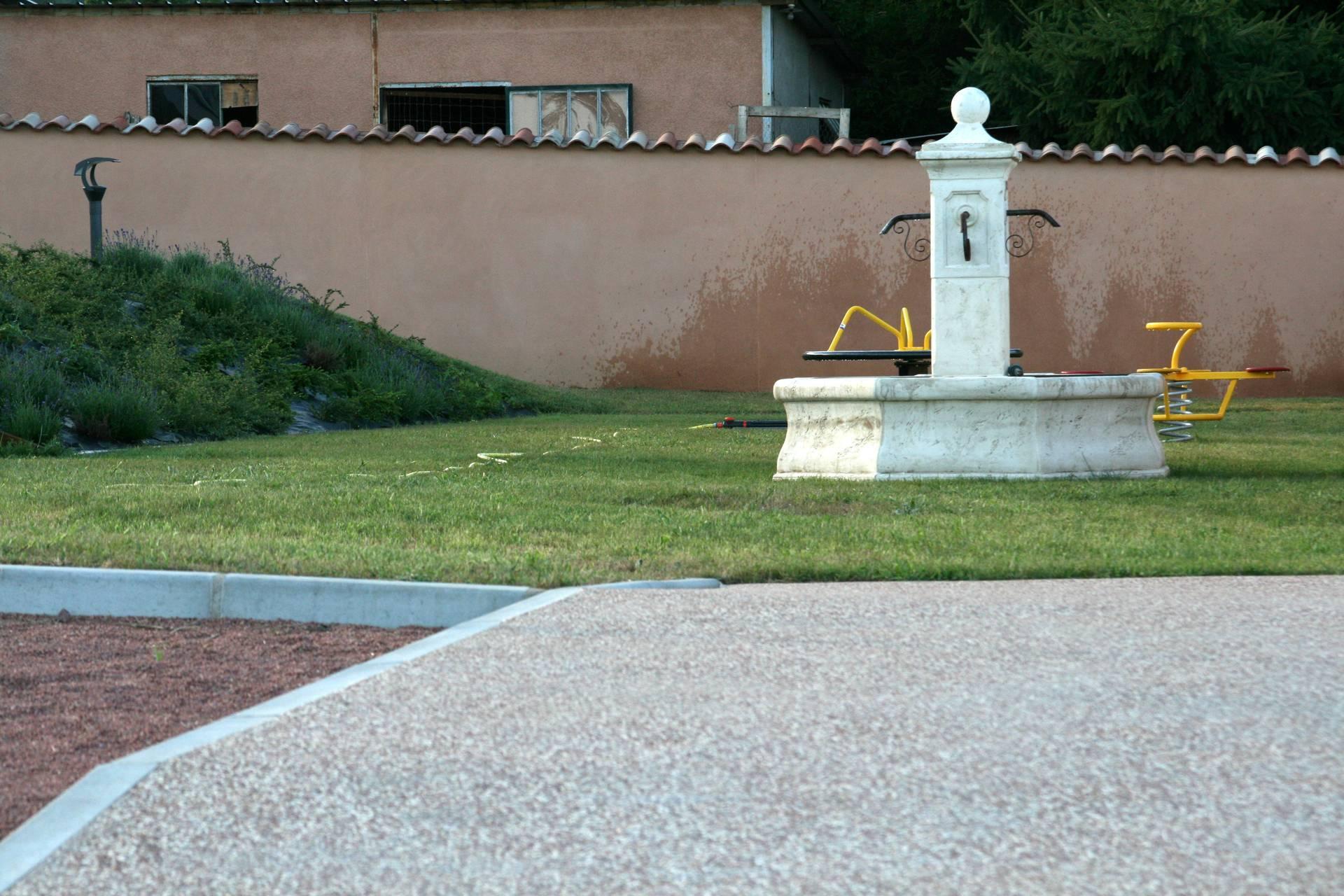 Location de salles reyrieux entre villefranche sur for Jardin couvert lyon