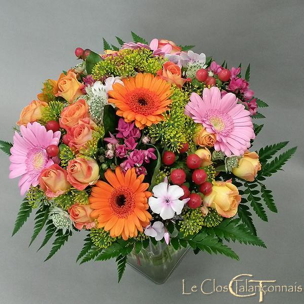 bouquet-de mariée-de couleurs-gaies-roses-branchues-orange-germini-hypericum-et-fenouil