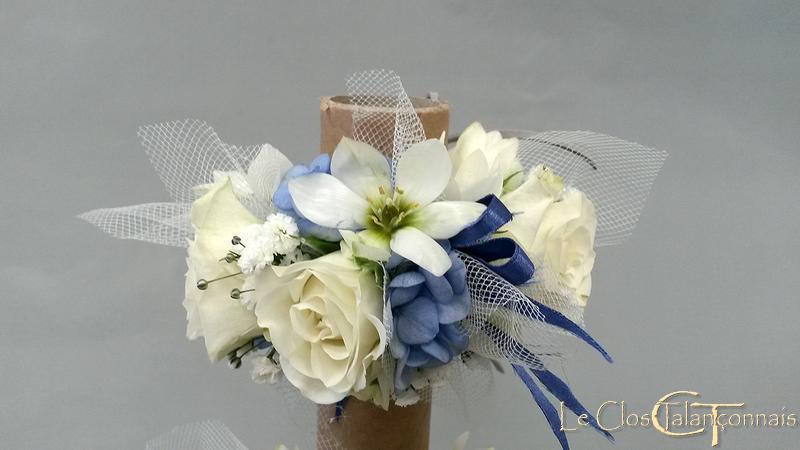 bracelets-de-fleurs-roses-blanches-hortensias-bleus