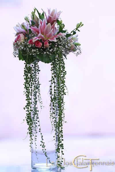 decor-de-buffet-fleurs-en-suspension